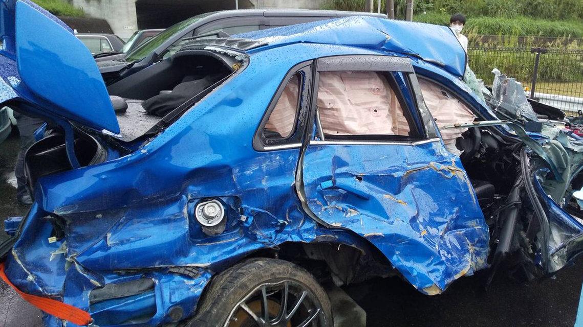 車オタクさん、納車1か月で高級車「インプレッサ」を廃車にしてしまう
