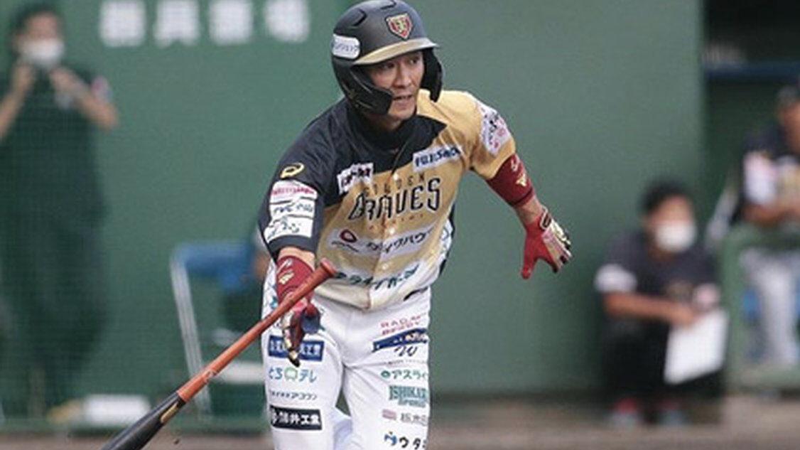 栃木・西岡剛さんのヘルメット