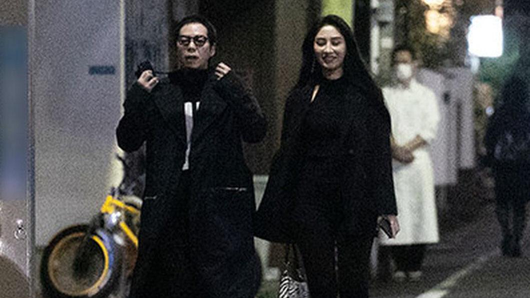 【画像】今田耕司(54)さん、色白細身モデルとデートしてしまう