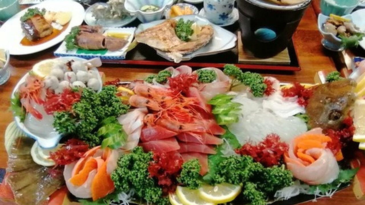 【画像】佐渡島で1泊2食7,800円で食べれる食事がこれ