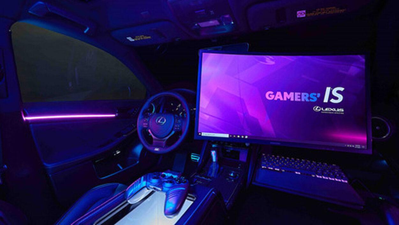 【画像】LEXUS、助手席でPCゲームが遊べるゲーミングカーを発表する