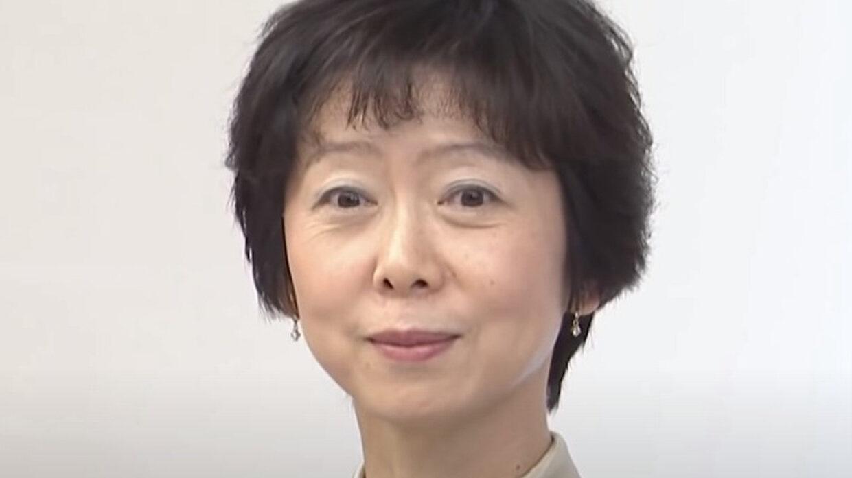 【悲報】朝日新聞、菅首相息子の接待記事で「美人」広報官の「美人」をこっそり削除