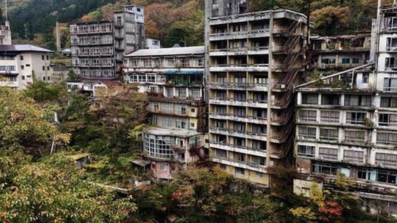 【悲報】鬼怒川温泉、廃墟になってしまう