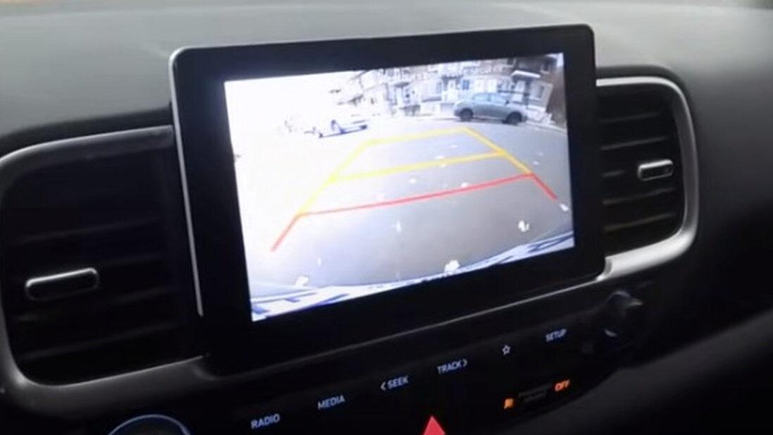 【朗報】車のバックカメラか、センサーの装備を義務化に