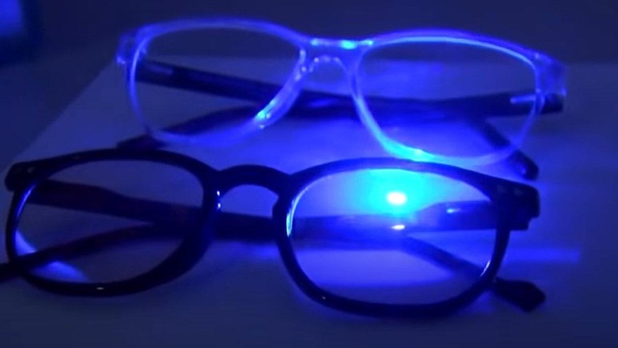【悲報】眼科医「ブルーライトカットに眼精疲労軽減効果は無い。むしろ悪影響」