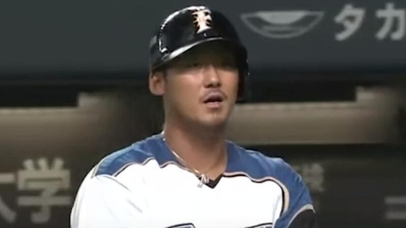 【悲報】日本ハム・中田翔、三振後にバットを叩きつけて破壊 その後途中交代 栗山監督「俺が交代させた」