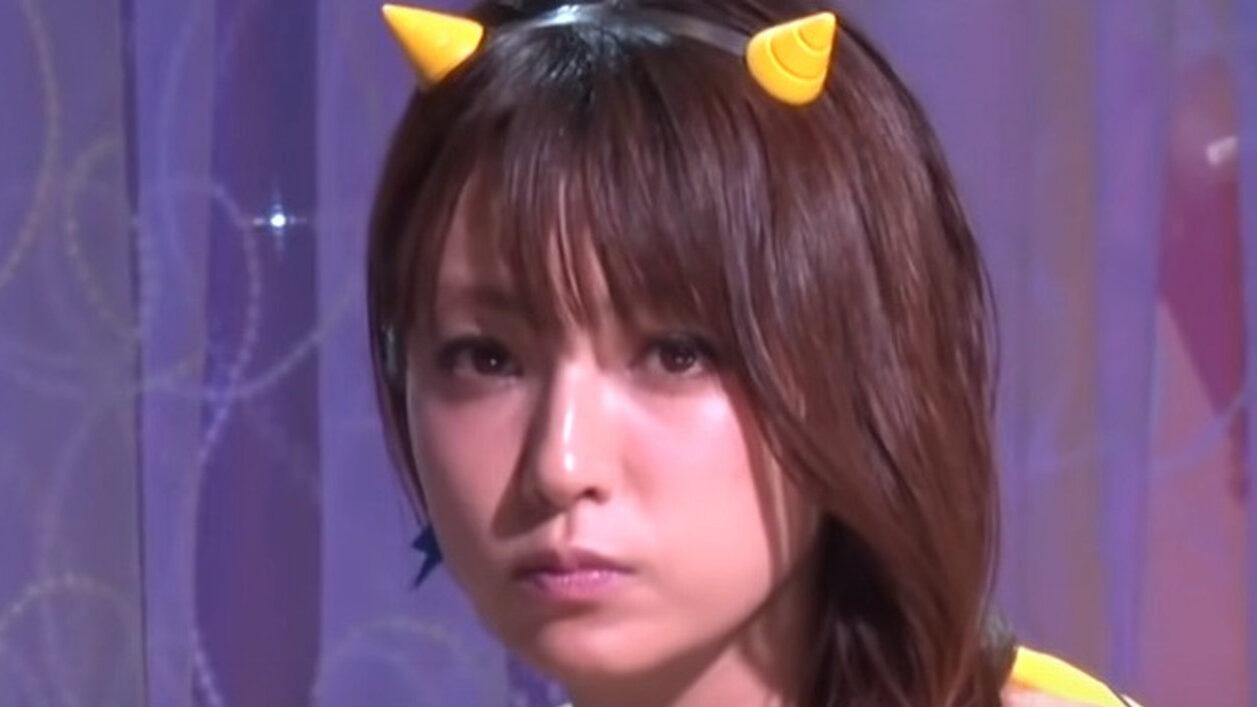 【悲報】深田恭子さん、3週間連続18時間労働していた…