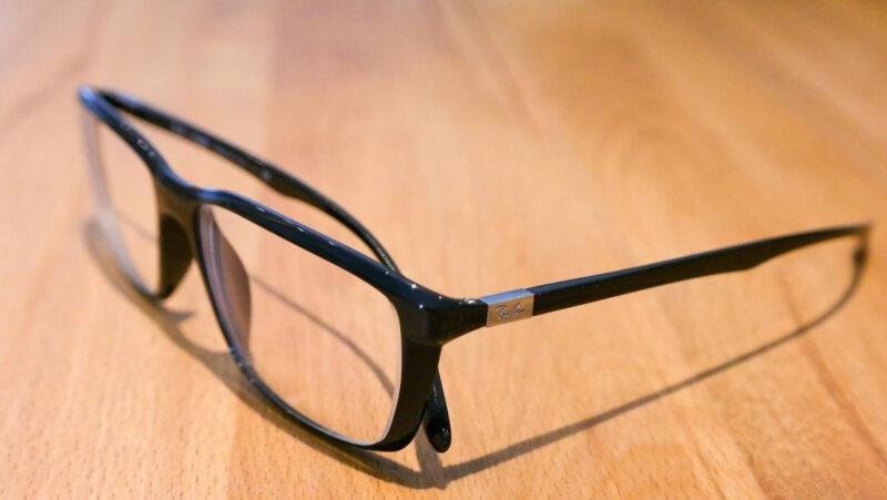 【悲報】久々にメガネ作ったら7万円したんやが…高くね!?