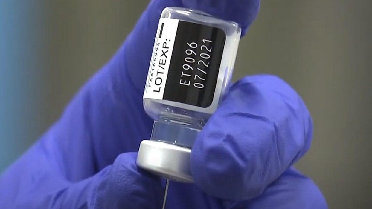 【悲報】日本の若者(20歳以下)のワクチン接種希望者の割合51.6%