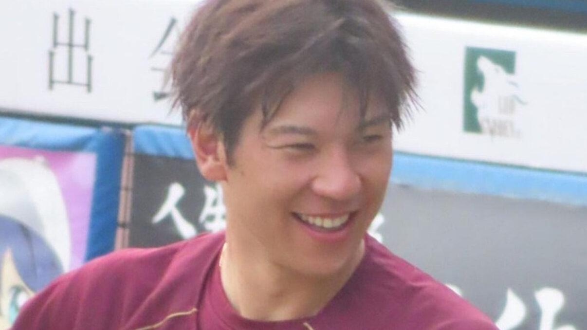 【朗報】楽天 炭谷銀仁朗さん、早くも馴染んでニッコニコw